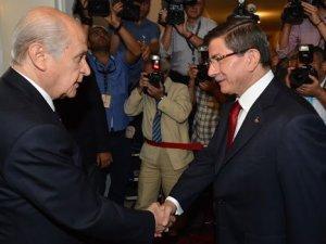 AK Parti-MHP görüşmesi bir saat erken başladı CHP'ye göre 5 dakika geç bitti