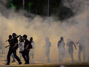 Yunanistan reform pekedini onayladı, ülke karıştı!