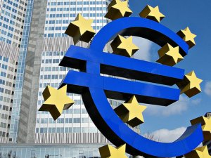 ECB faiz oranını sabit tuttu!