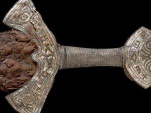 1000 yıllık viking kılıcı!