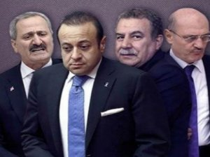 """Başbakan Davutoğlu'ndan """"dört bakan"""" göndermesi"""
