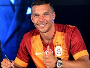 Galatasaray Polonyalı'nın bonservisini peşin ödedi