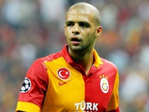 Felipe Melo Galatasaray'da kaldı