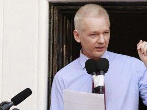 Wikileaks kurucusu Assange: ABD Merkel'in telefonunu dinledi