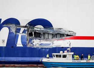 Vinga adası açıklarında yolcu gemisi ile tanker çatıştı