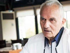 AKP'nin ilk Dışişleri Bakanı Yaşar Yakış'tan Suriye eleştirisi