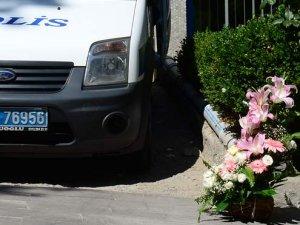 HDP Genel Merkezi'nde şüpheli çiçek alarmı!