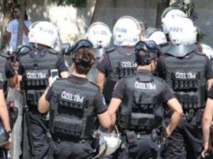 Polis cezaneye katılanlara müdahale etti!