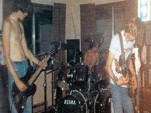 Nirvana fotoğrafı paylaştı, tarihi değiştirdi
