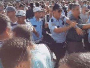 Şehit cenazesinde Taner Yıldız'a protesto