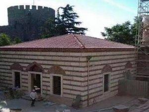 15. Yüzyıldan kalma tek minare mescide çevrildi
