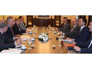 AK Parti ve CHP heyetleri bir araya geldi