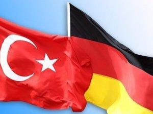 Almanya Savunma Bakanı'nda destek mesajı