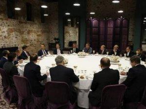 Ahmet Davutoğlu: Sınırda DEAŞ istemiyoruz