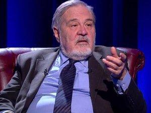 """""""Türkiye'de 10 yıldır Dışişleri Bakanı yok"""""""