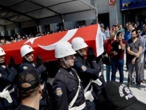 Şehit polise ilk tören