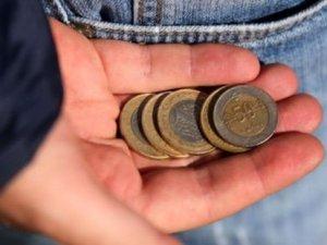 4 kişilik bir ailenin açlık sınırı bin 328 lira!