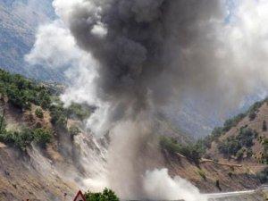 PKK, köprüleri havaya uçurdu