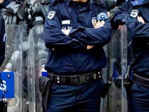 Polisin kafasında oklava mı kırıldı?
