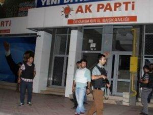 Diyarbakır'da AK Parti binasına saldırı!