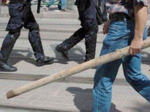 İki kentte zabıta ve esnaf birbirine girdi: 10 yaralı