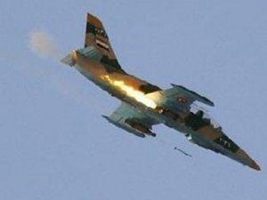 Suriye savaş uçağı Türkiye sınırında düştü