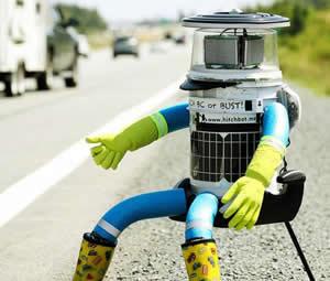 Otostopçu robot hitchBOT saldırıya uğradı
