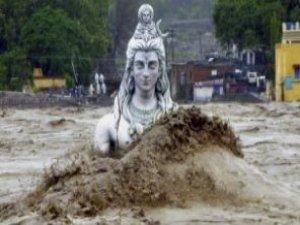 Hindistan'da sel felaketi: 178 ölü