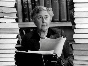 Katili Agatha Christie'den önce bulun