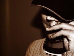 Utangaç kişilerde bağımlılık riski 13 kat fazla