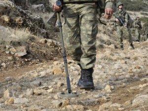 Yüksekova'da askeri araca mayınlı saldırı