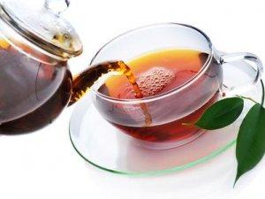 Kahve, çay ve kolalı içecekler aşırı terlemeyi tetikliyor