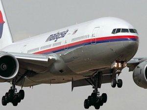 Kayıp uçağa ait parça bulundu