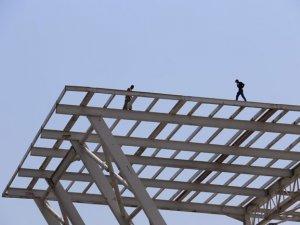 Samsun'da tehlikeli inşaat: Kaza geliyorum demez!