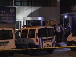 Bayrampaşa Emniyeti önünde yarım saat arayla iki ses bombası patladı