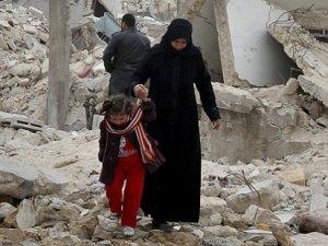 'Suriye'de iç savaşta 240 binden fazla kişi öldü'