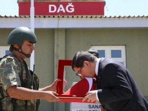 Başbakan Davutoğlu, Suriye sınırında!