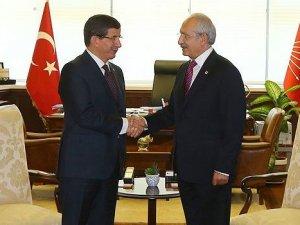 Ahmet Davutoğlu, Kemal Kılıçdaroğlu'nu Twitter'dan takibe aldı