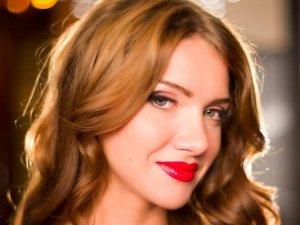 Romen şarkıcı Otilia, Bilionera'nın Türkçe versiyonuna çalışıyor!