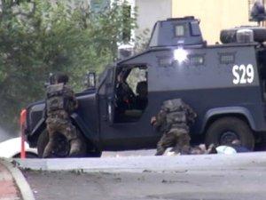 Sultanbeyli'de çatışma anı kameralarda!