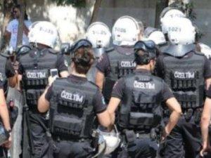 Çalışma Bakanlığı'na yürümek isteyenlere polis saldırısı