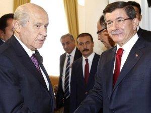 Devlet Bahçeli ve Ahmet Davutoğlu pazartesi görüşüyor