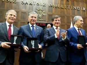 AKP'de 3 döneme takılan 70 isim yeniden aday olabilecek