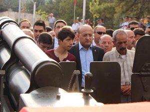 Şehit cenazesinde Yalçın Akoğan'a protesto