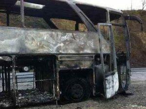 Teröristler minibüs şoförünü öldürdüler