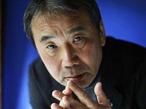 Murakami'nin çalışma odasına göz atmak ister misiniz?