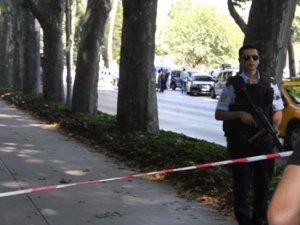 Dolmabahçe Sarayı önünde gözaltı