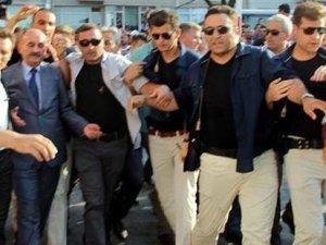 Şehit cenazesinde Mehmet Müezzinoğlu'na protesto