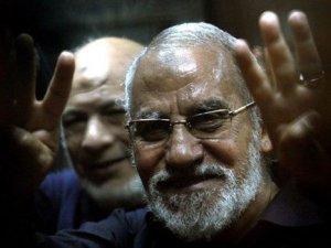 Mısır'da İhvan Rehberlik Konseyi Başkanı Bedii'ye müebbet hapis cezası
