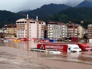 Artvin'de sel felaketi: 8 kişi öldü!